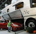 Wohnmobil mit Garage fürs Auto